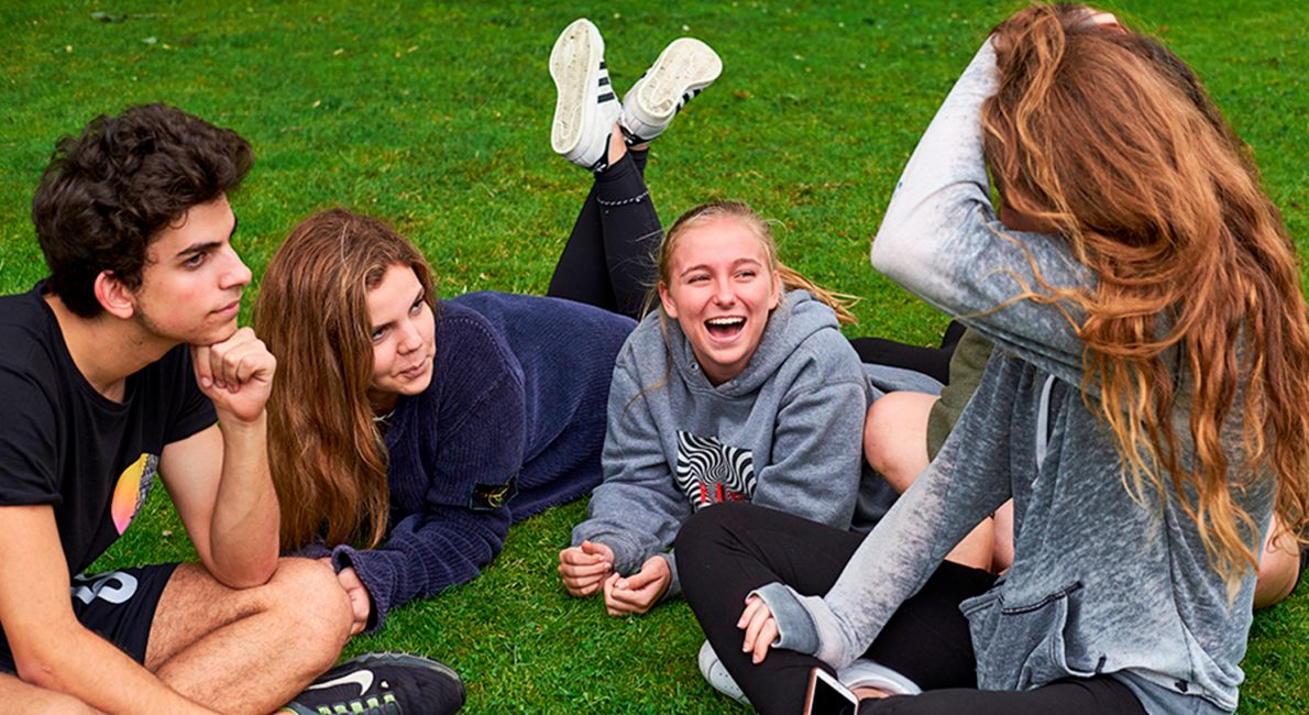 børn der har det sjovt på Sommerskolen, danskundervisning