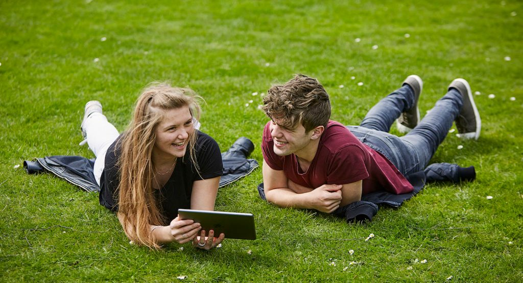 teenagere, online danskundervisning, danes worldwide