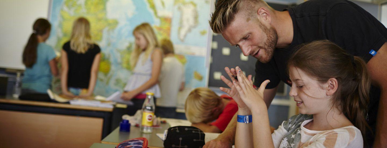 Barn der bliver undervist på Sommerskolen