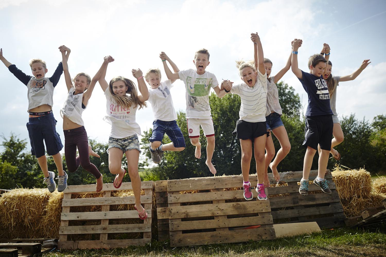 glade børn på sommerskole